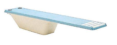 Skokanský mostík do bazéna
