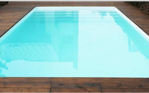 Bazén hranatý modern so schodíkmi po celej šírke