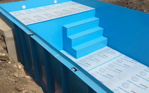 Modrý bazén s ležadlom RELAX