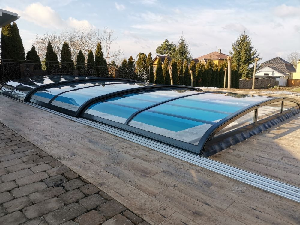 Zastresenie bazéna Venus nízke