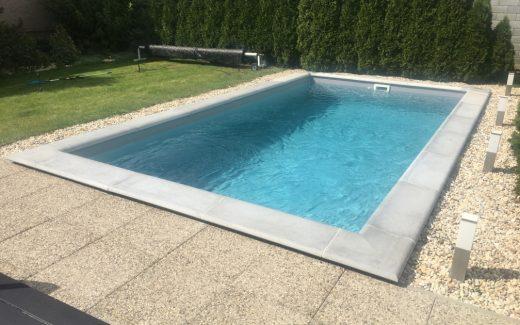Šedý bazén MODERN s betónovým lemom